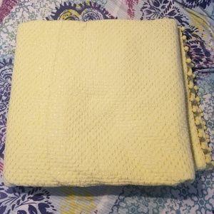 Soft Surroundings King Sized Yellow Comforter